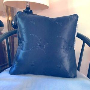 Bella Notte Linens Rare Decorative Pillow